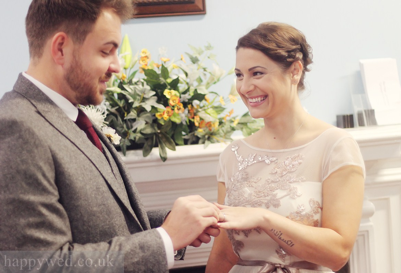Marriage registration Cardiff city hall weddings