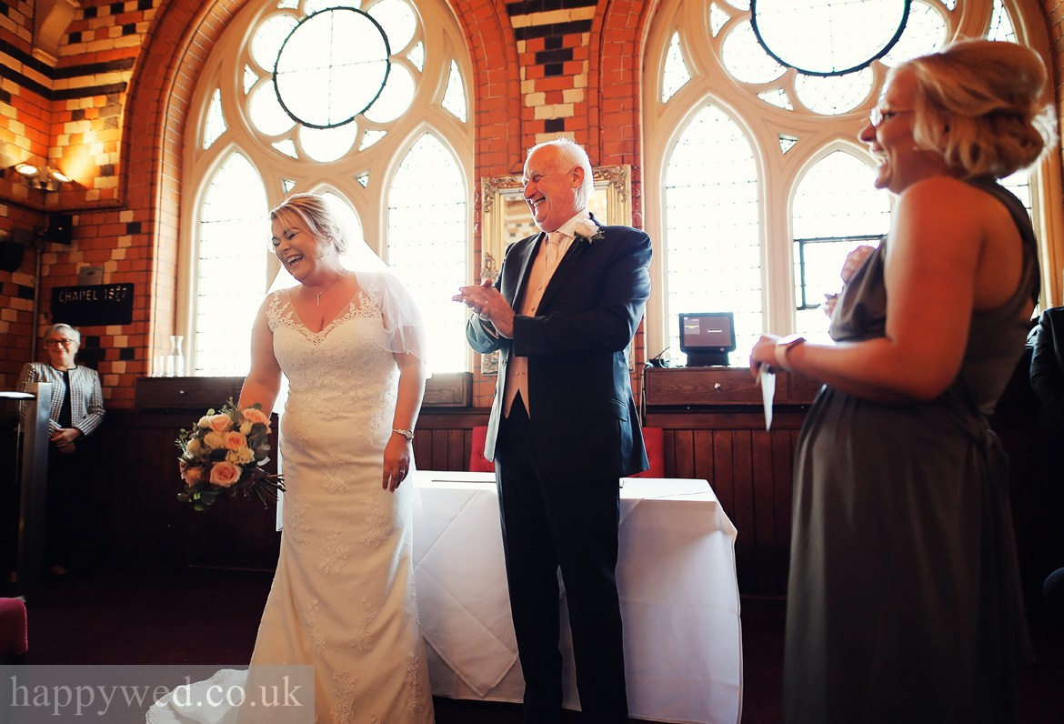 Review about happywed.co.uk photography