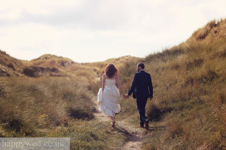 wedding photo ynyslas beach